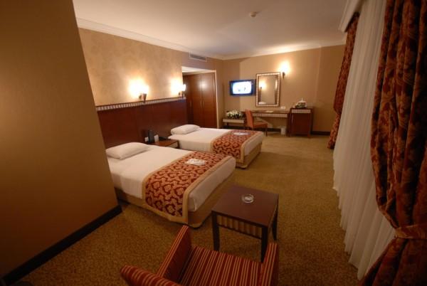 Crystal hotel istanbul taksim fun travel online for Dekor hotel laleli istanbul